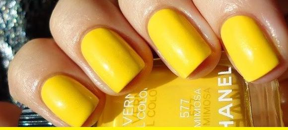 Look at those nails.